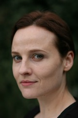 cast-Carolyn-Tomkinson